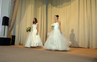 Menyasszonyt bérelnék - A zöld kristály - Titkok könyve - A vakmerő - Tiéd.