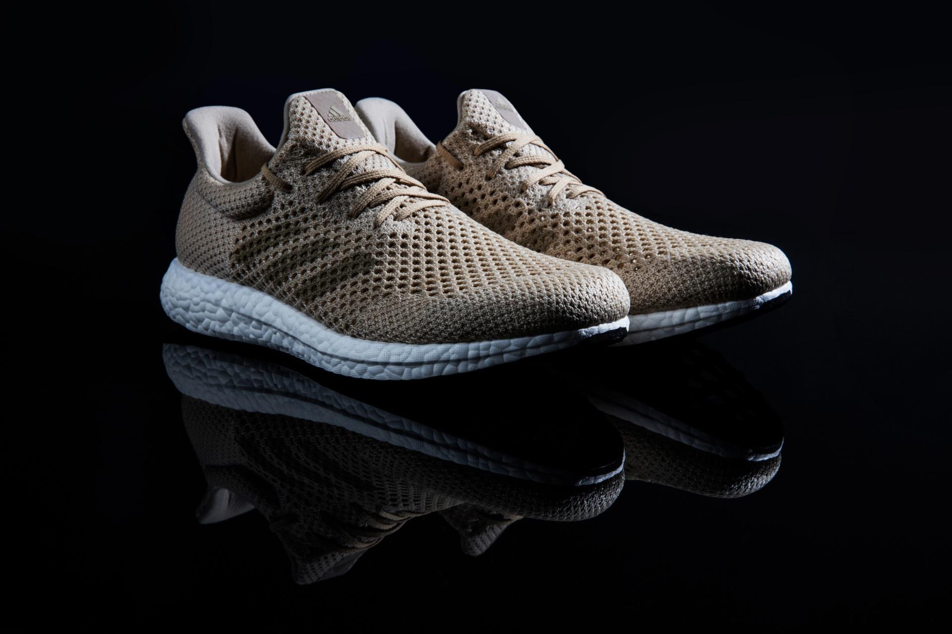Az adidas bemutatta az első teljesen lebomló sportcipőt
